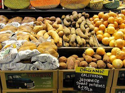 Бататы в органическом магазине (США)